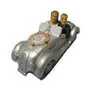 Silber-Brautpaar im Auto, Silberhochzeit